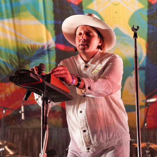 """@arcadefire have shared a new original 45-minute piece of music called """"Memories of the Age of Anxiety."""" The music is available on the meditation and sleep app Headspace; it promises """"meditative vibes to help you focus and feel inspired."""" Find out more at the link in our bio.  📷 by Erika Goldring / Getty Images  #ArcadeFire #Pitchfork"""