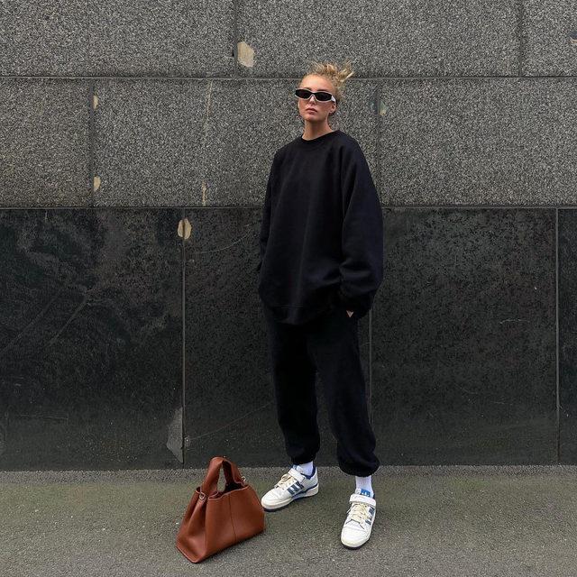 @ellenclaesson wears our recycled-yarn sweatshirt and trackpants #regram #RaeyResponsible