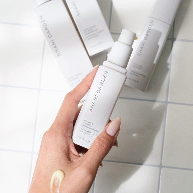The investment for your skin that's sure not to disappoint. My Retinol Reform Serum is the ultimate multitasker whose immediate & long-term benefits are something to GLOW for ✨  ⠀⠀⠀⠀⠀⠀⠀⠀⠀ ⭐️ Helps reduce appearance of fine lines & wrinkles ⭐️ Helps with hyperpigmentation & tone  ⭐️ Helps treat blemishes & acne scarring  ⠀⠀⠀⠀⠀⠀⠀⠀⠀ Retinol Reform Serum is included in @sephora's Spring Savings Event. Tap to shop or click the link in my bio! #SkinByShani #Sephora  ⠀⠀⠀⠀⠀⠀⠀⠀⠀ 📸: @overglowedit