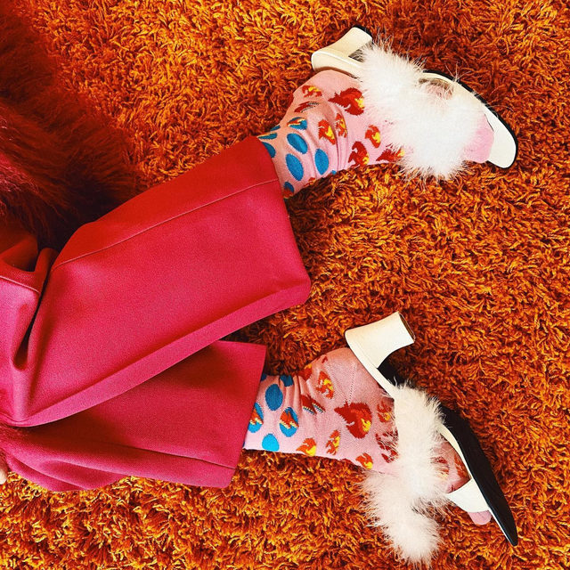 the floor is lava. 🔥  📷@alicestrider_  #HappySocksxDavidBowie #DressUpAsYourself #HappySocks #HappinessEverywhere