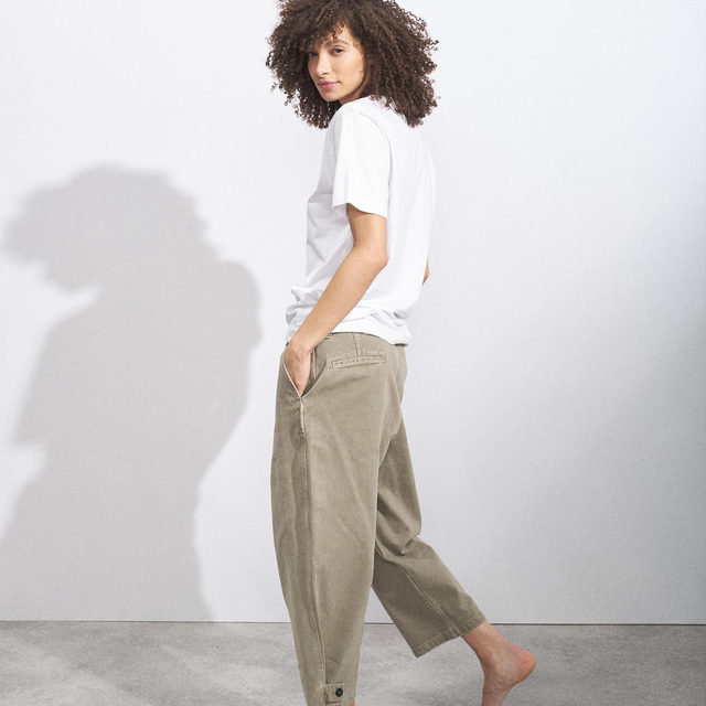 Back in stock ✔️  Recycled-yarn cotton-blend T-shirt and wide-leg cotton-twill chino.  Link in bio. #Raey