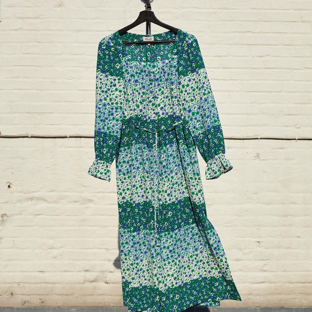 The Asayo maxi dress from our UND Earth capsule for #EarthDay - made from recycled plastic bottles ♻️  For each piece of the capsule sold, we'll donate €4 to the NGO Green Transition Denmark, part of Clean Air Europe who work to reduce air pollution and protect the environment  #EarthMonth #BaumFamily #BaumundPferdgarten