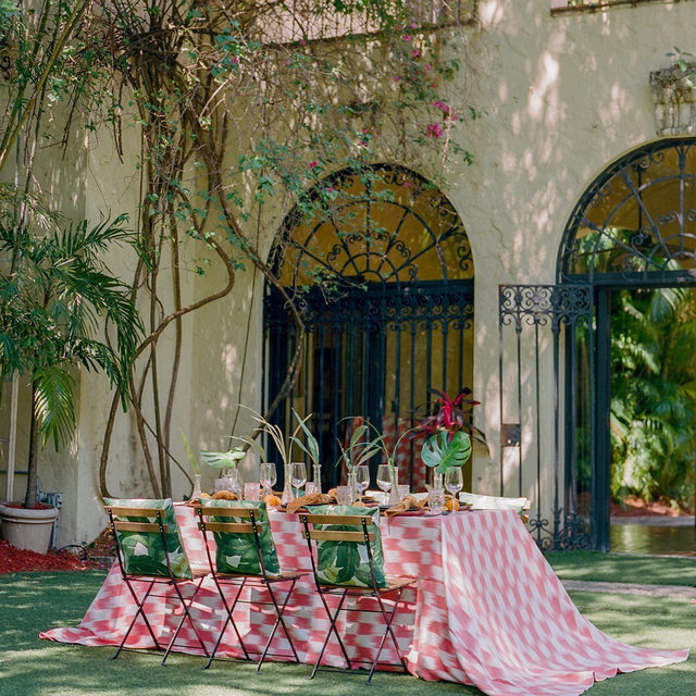 Delight and celebrate in the splendor of Cuba with our newest collection Little Havana. 🌴Immerse yourself in a culture rich with energy and soul. Full of character and vivacity, our collection captures the magic of one of Cuba's most iconic cities, Havana. Use the link in our bio to start exploring this amazing collection.  _________ Credits: Planner: @eventsbyroam Photography: @thecardonas Florals: @molly.in.the.sky Rentals: @diamonettepartyrental, @differentlookrentals, @themixdish, @mivintage Paper Goods: @keepiteventful, @a_schro Venue: @villa_woodbine
