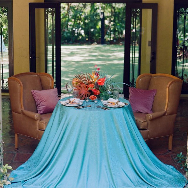 With our Ocean Lennox, paradise is just a linen away! A vibrant, teal color, this linen mirrors the picturesque turquoise waters of tropical oases. Instantly transport your guests with its brilliant color and dreaminess. Leave eyes and hearts captivated with its tantalizing grandeur. Use the link in our bio to see more of this stunning linen. _________ Credits: Planner: @eventsbyroam Photography: @thecardonas Florals: @molly.in.the.sky Rentals: @diamonettepartyrental, @differentlookrentals, @themixdish, @mivintage Paper Goods: @keepiteventful, @a_schro Venue: @villa_woodbine