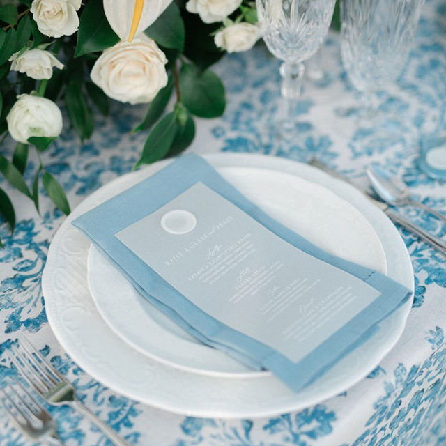 The loveliest blue palette has started our week on the perfect note! 💙 The timeless romantic design has completely entranced us. We could not love the delicate details and floral accents more. Featuring our Oxford Hidden Garden Table Linen and Oxford Hemstitch Napkin. Use the link in our bio to see more of these beautiful products.  _________ Credits: Planner: @blu_events Photography: @jeanetteennisphotography Floral: @birchwoodfloraldesign Rentals: @wlrents Paper Goods: @matinaedesignstudio Venue: @theedwardsestate