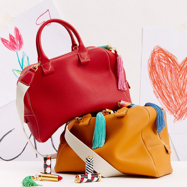 Every Mother's must-have, #CHBlasonBag. Discover the new colors, available online and #instore.