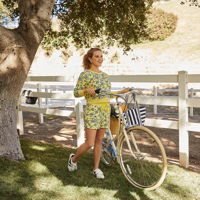 Introducing the Limited Edition Draper James x Linus Betty Bike — a collaboration with Venice, California-based @linusbike ✨🚲