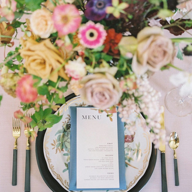 Regal place settings exuding timeless romance and stately style, get us every time. 😍  We are head over heels in love with this beautiful image. Featuring our Lotus Sonoma Table Linen and Slate Faille Napkin. Use the link in our bio to start planning your own elegant affair with these beautiful linen.  _________ Credits: Planner: @shannonroseevents Photography: @katepeasephotography Florals: @wedfullyyours Rentals: @poshcouturerentals Paper Goods: @brownfoxcreative  Venue: @themasondallas
