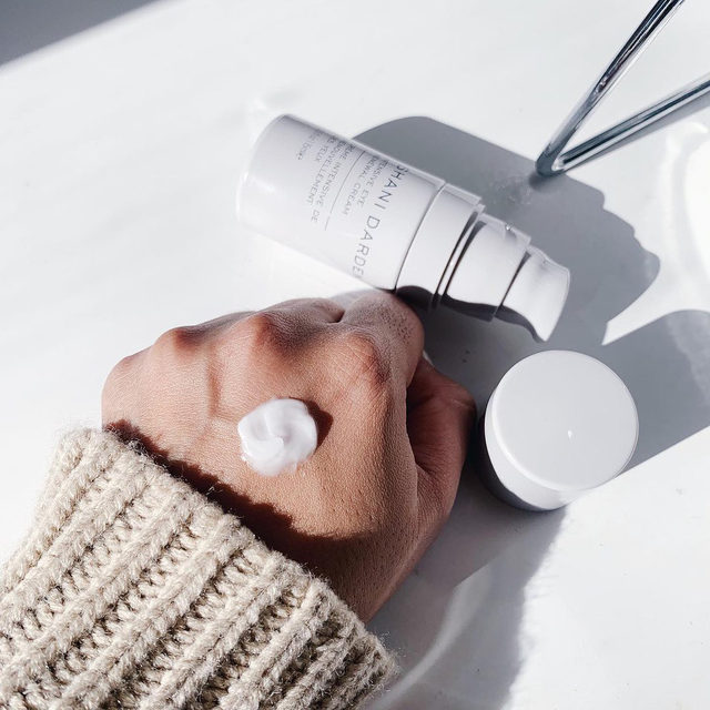 When I decided to create an eye cream, it was about creating a product that did it all! ✨ As someone who believes that less is more in their routines, I wanted to create a product that gave you all the benefits, all-in-one formula.  ⠀⠀⠀⠀⠀⠀⠀⠀⠀ From your under eye to eyelid, my Intensive Eye Renewal Cream with Firming Peptides can be used to fight the signs of aging. A little goes a long way with this rich formula, which leaves the perfect finish for a fresh face, or before your makeup. ✨  ⠀⠀⠀⠀⠀⠀⠀⠀⠀ Tap to shop my Intensive Eye Renewal Cream with Firming Peptides, or find it in-store at your local @sephora! #SkinByShani #Sephora  ⠀⠀⠀⠀⠀⠀⠀⠀⠀ 📷 @nadiavegaig