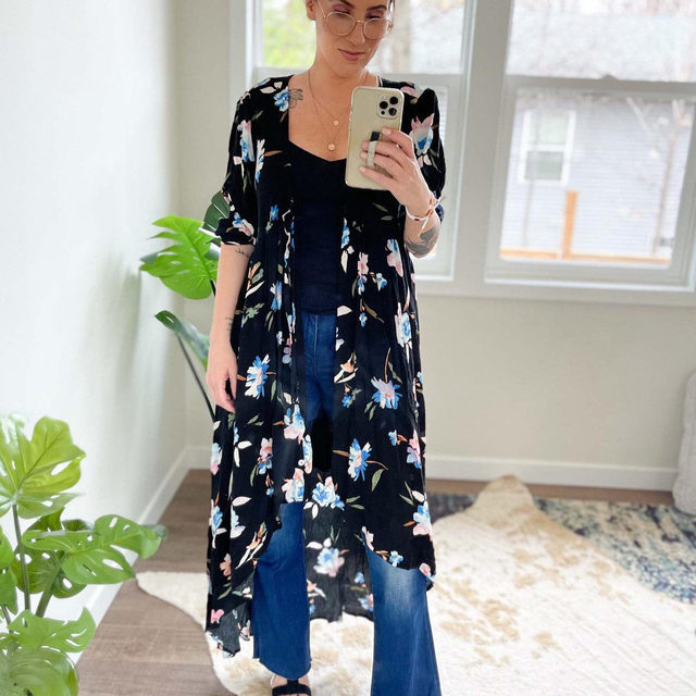 A dress over jeans is always a good idea. And this one is pretty perfect all on its own (swipe to see it). Summer, we're getting ready.  . Click the link in our bio to get Scotti's looks.  . . . . . #summerdresses #dressoverjeans #jeans #denim #motherdenim #fashion #fashionblogger #stylegoals #fashionlooks #styleblogging #ootd #summerlooks #warbyparker #themomedit #themomeditstyle
