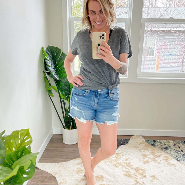 The denim cut-offs Scotti goes back to year after year. These @AmericanEagle jean shorts are soft, stretchy, not-too-short but not-too-long, cute & comfy shorts that you can wear with all the things. SOLD.  Note: Size UP. Scotti usually wears a size 6 and is wearing a size 10 here and they fit perfectly. For more fit notes, head to the blog for Scotti's full review.