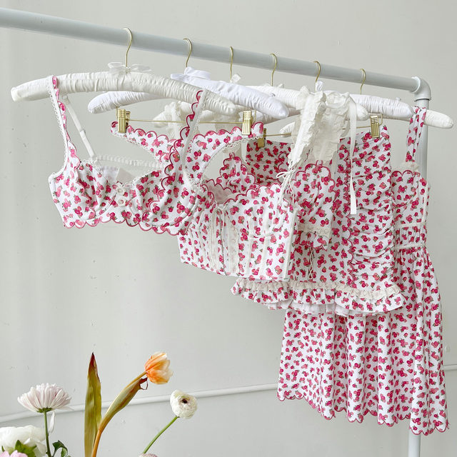 Meet Baby Blooms 🌹 A romantic rose print with sweet scallop trim in versatile styles made to be seen