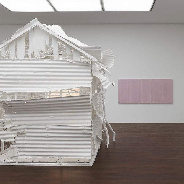 """#RachelWhiteread: This weekend is the last chance to see """"Rachel Whiteread: Internal Objects"""" at Gagosian, Grosvenor Hill, alongside additional works by the artist at Davies Street. There will be extended hours today and tomorrow as part of the inaugural London Gallery Weekend.   We are also collaborating with the Connaught Patisserie for a special pop-up during the event, which will be at  Grosvenor Hill today from 10am to 4pm and tomorrow from 11am to 3pm. Follow the link in our bio to learn more.  __________ #Gagosian #TheConnaughtPatisserie @rachelwhitereadofficial @connaughtpatisserie @theconnaught @londongalleryweekend Installation views, """"Rachel Whiteread: Internal Objects,"""" Gagosian, Grosvenor Hill, London, April 12–June 6, 2021. Artwork © Rachel Whiteread. Photos: Prudence Cuming Associates"""