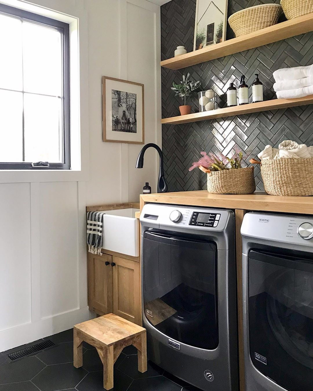 We'd look forward to every laundry day in a laundry room like this one 😍 (submitted by @joineryanddesignco) Link in bio to shop the room and get more laundry room inspo.
