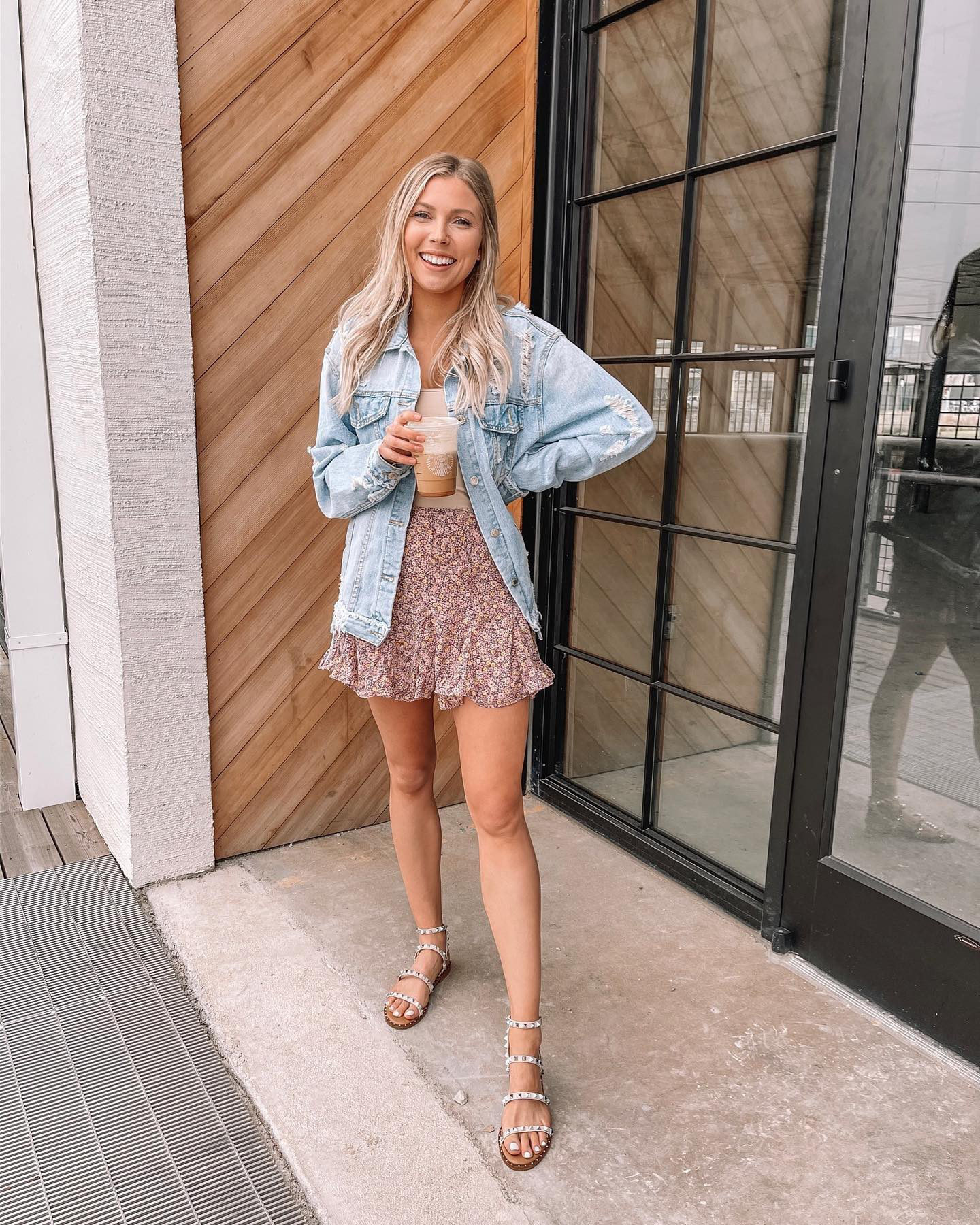 """cute cute cute!! let us know the one thing in your closet you can't live without! @livingcasuallygolden ---> All My Dreams Lavender Purple Ditsy Floral Skirt"""" width=""""556″ height=""""695″></p> <p>Image from Mint Julep</p> <p>Get the skirt <strong><a href="""